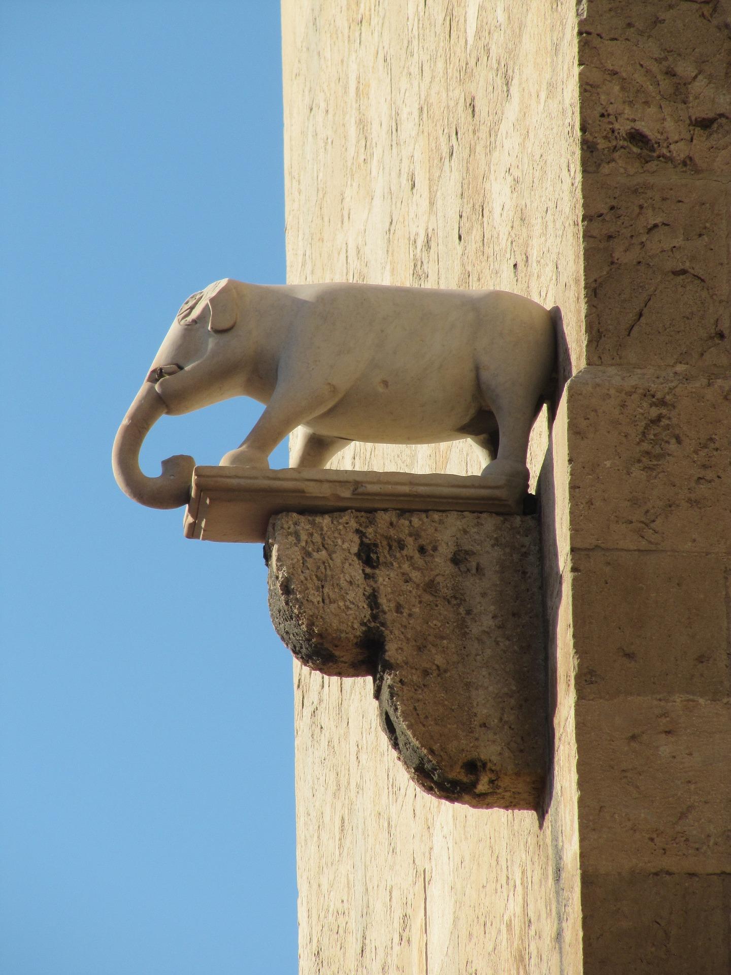 elephant-tower-526149_1920